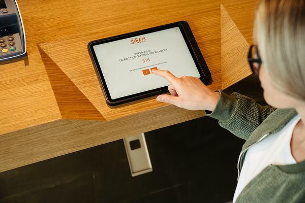 Self Check-in Tablet